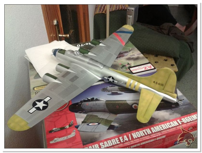 Boeing B-17 G Flying Fortress, 486th Group Bomber 1944 - Academy 1/72 Pintura25