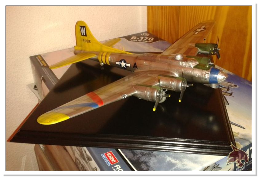 Boeing B-17 G Flying Fortress, 486th Group Bomber 1944 - Academy 1/72 Pintura26