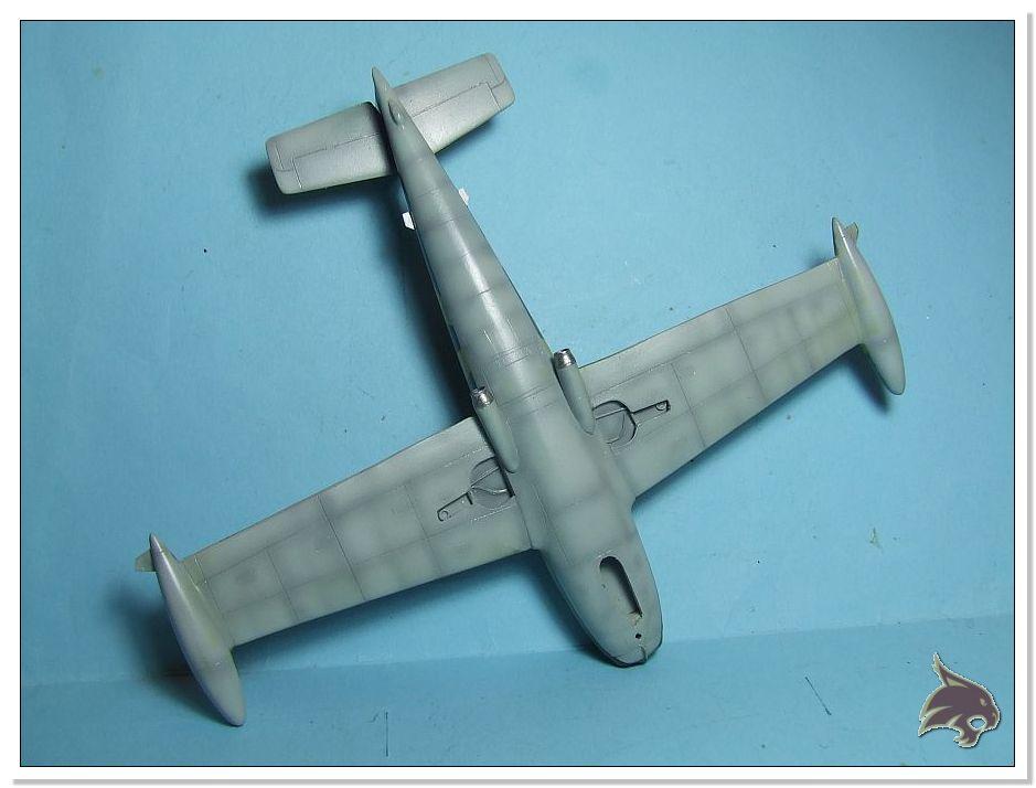 HA-220 Super Saeta - Special Hobby 1/72 20