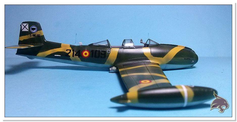HA-220 Super Saeta - Special Hobby 1/72 35