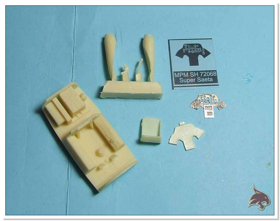 HA-220 Super Saeta - Special Hobby 1/72 Box01