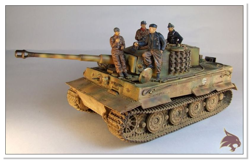 Tiger I Pkf VI Ausf.E Late Version - 4 figuras - Tamiya 1/35 01